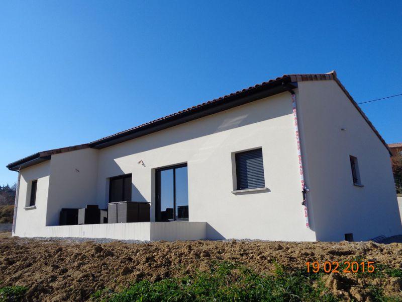 Gros oeuvre maison individuelle en ard che construction - Maison avec menuiserie anthracite ...